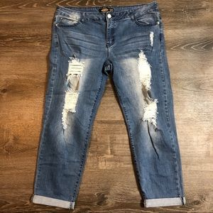 NWOT Distressed Boyfriend Jeans